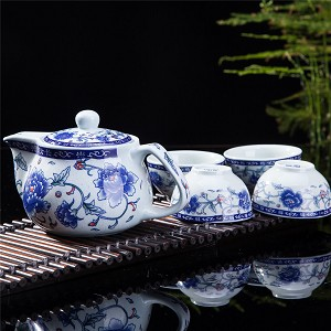 Exquisite 5 PCS Blue-And-White Peony Design Ceramic Tea Pot Tea Cups Set In Beautiful Color Gift Box
